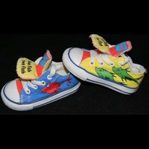 Dr. Suess lace up Converse size 7 toddler